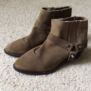 Mango Touch boots with removable straps. Size 9.5.
